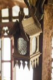 Oude lampen die van hout worden gemaakt royalty-vrije stock afbeeldingen