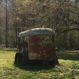 Oude landbouwbedrijfaanhangwagen Stock Fotografie