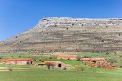 Oude landbouwbedrijven in het landschap van Castilla en Leon, Spanje stock foto