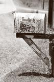 Oude Landelijke Brievenbus stock foto's