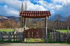 Oude landelijke poort Stock Afbeelding