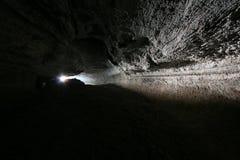 Oude lavatunnel op enavulkaan Stock Foto's