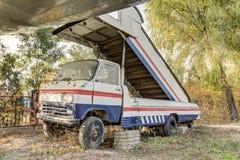 Oude lichte vrachtwagen Stock Afbeeldingen