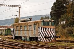 Oude locomotief in Roemenië Stock Afbeeldingen