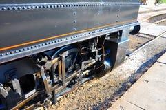Oude locomotief in station Stock Afbeelding