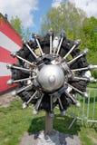 Oude luchtvaartmotor op standÑŽ stock foto's