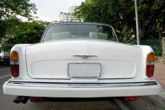 Oude luxeauto stock afbeeldingen