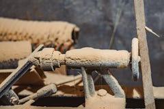 Oude machine in de workshop royalty-vrije stock afbeeldingen