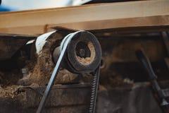 Oude machine in de workshop stock fotografie