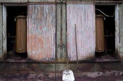 Oude machine van distillatie Stock Afbeeldingen