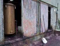 Oude machine van distillatie Stock Foto's
