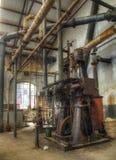Oude machines in een verlaten chemiefabriek, urbex Stock Fotografie