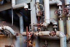 Oude machines van verlaten fabriek Royalty-vrije Stock Foto's
