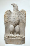 Oude marmeren adelaar stock afbeelding