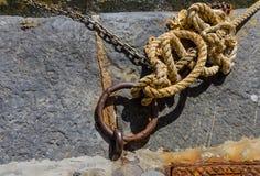 Oude marooning ring met kabel Stock Foto's