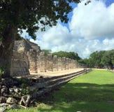 Oude Mayan ruïneert dichtbij de oceaan in Chichenitza Mexico Stock Foto