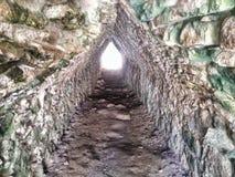 Oude Mayan Tunnel in de Coba-Ruïnes Royalty-vrije Stock Afbeeldingen