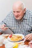 Oude mens stock afbeeldingen