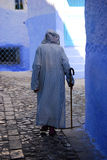 Oude Mens die Jalaba, Chefchaouen, Marokko dragen Royalty-vrije Stock Foto