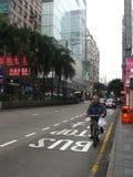Oude mens en een fiets Royalty-vrije Stock Foto's