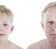 Oude mens en jongensvergelijking royalty-vrije stock fotografie