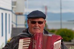 Oude mens het spelen Harmonika royalty-vrije stock afbeeldingen