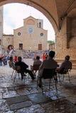 Oude mensen in San Gimignano - Toscanië Royalty-vrije Stock Foto's