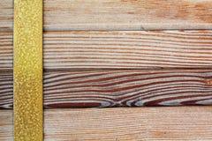 Oude messingsrand, natuurlijke houten patroonachtergrond royalty-vrije stock foto's
