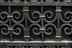 Oude metaal roestige poort openlucht royalty-vrije stock foto's