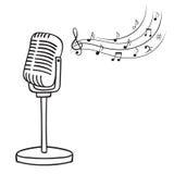 Oude microfoon en muzieknota's Royalty-vrije Stock Foto's