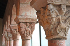 Oude middeleeuwse kolommen Royalty-vrije Stock Fotografie