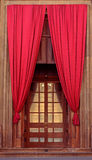 Oude middeleeuwse stijldeur Stock Afbeelding