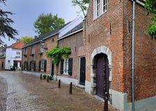 Oude middeleeuwse straat in Holland Royalty-vrije Stock Foto's