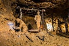 Oude mijnwerkers in een Zilveren Mijn in Bloederige Tarnowskie, Unesco-erfenisplaats Stock Fotografie
