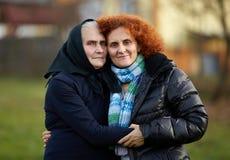 Oude moeder en dochter royalty-vrije stock fotografie