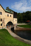 Oude molen op stroom Royalty-vrije Stock Afbeelding