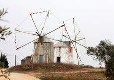 Oude molens van Fazarga en Ourem, Portugal Stock Afbeeldingen