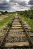 Oude mooie spoorweg royalty-vrije stock fotografie