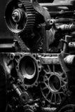 Oude motor van een auto, zwart-witte foto Stock Fotografie