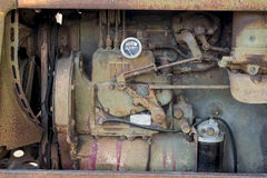 Oude motortractor Royalty-vrije Stock Foto's