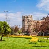 Oude Muren van Constantinopel. Stock Foto