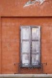 Oude muur en deur Stock Foto