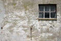 Oude muur met venster Stock Foto's