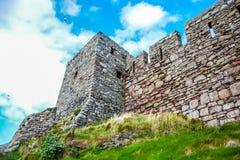 Oude muur van Schilkasteel in Schil, het Eiland Man Royalty-vrije Stock Afbeeldingen