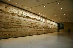 Oude muur in zaal Royalty-vrije Stock Afbeeldingen