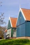 Oude Nederlandse blokhuizen in Schokland (Unesco), een vroeger eiland in Noordoostpolder, Nederland royalty-vrije stock foto's