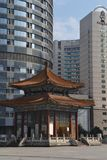 Oude & Nieuwe Architectuur in Chongquin, China royalty-vrije stock afbeelding