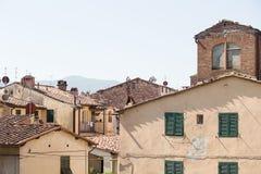 Oude Ommuurde Stad van Luca Stock Afbeeldingen
