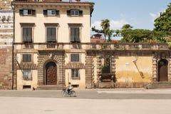 Oude Ommuurde Stad van Luca Stock Foto