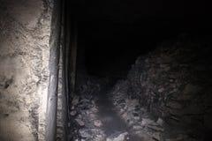 Oude ondergrondse passage stock foto